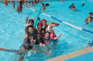 loisirs-enfants-jeunes-piscine