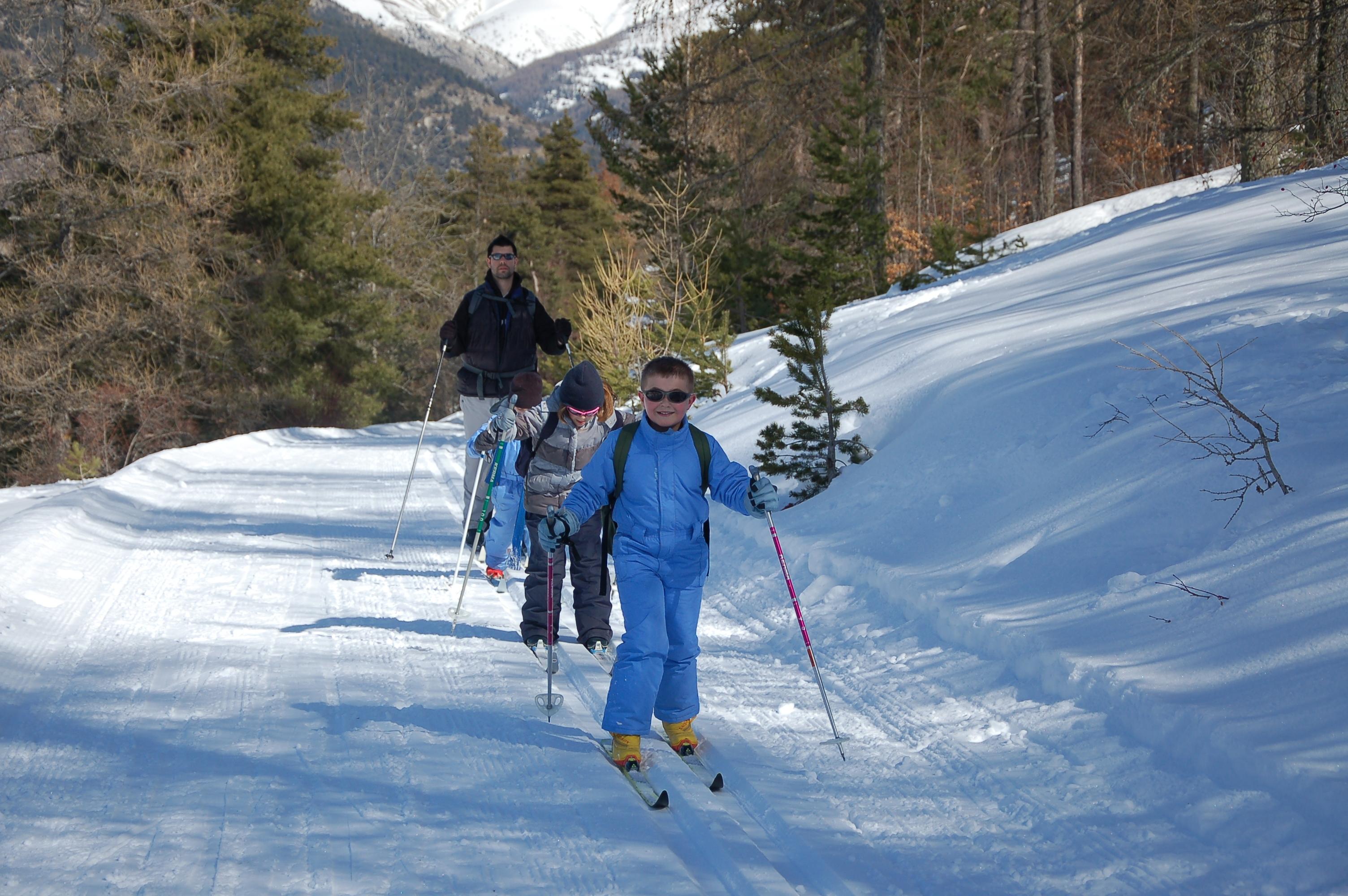 loisirs-enfants-jeunes-ski-de-fond